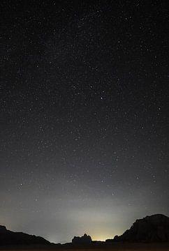 Wadi Rum Jordanien bei sternenklarer Nacht