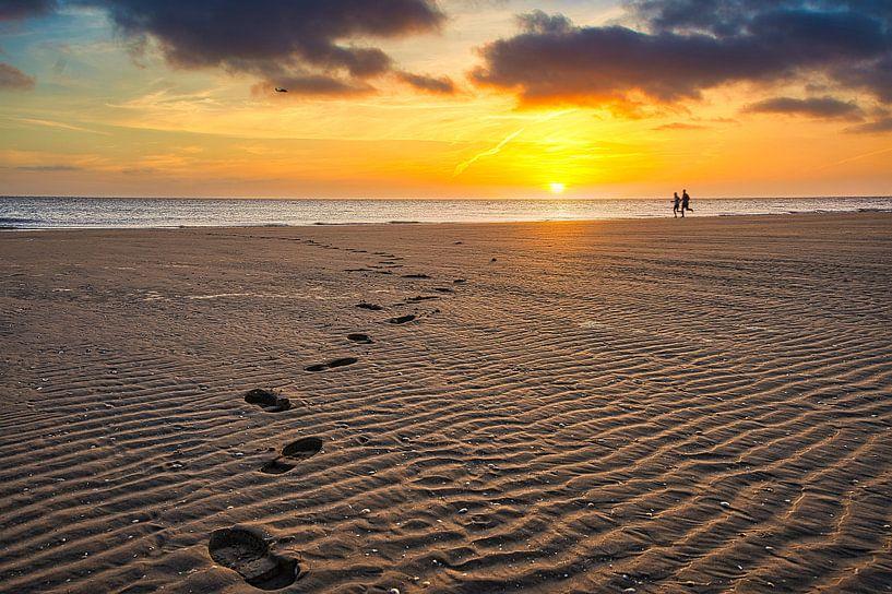 Des pas dans le sable sur Jim Looise