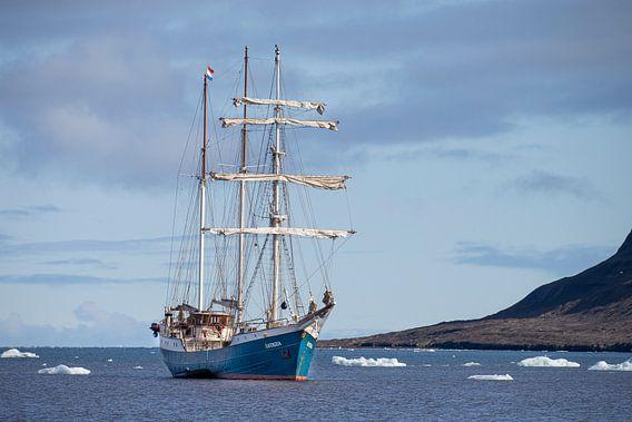 Grand voilier Barquentine Antigua