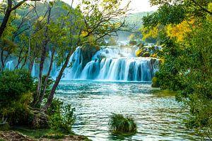 Watervallen in Nationaal Park Krka Kroatie van Gert Hilbink