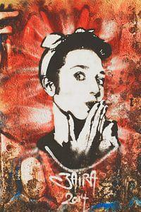 Hoppla! Street Art Artwork mit 50er Jahre Rock & Roll Frau.