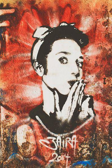 Oeps! Street art kunstwerk met jaren 50 rock & roll vrouw. van Digital Curator