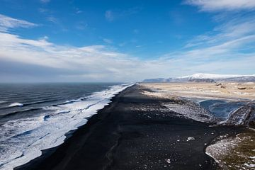 Schwarzer Sandstrand Island von Annika Koole