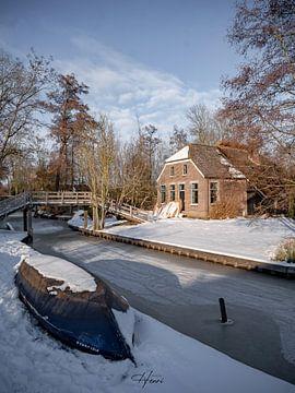 Giethoorn in de winter van Henri van Rheenen