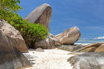 Strand Anse Source D'Argent op het Seychelse eiland La Digue van Reiner Conrad
