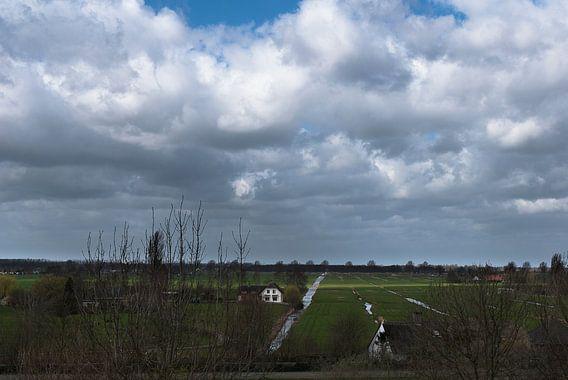 Stapelwolken boven de Bethunepolder van Edwin van Amstel