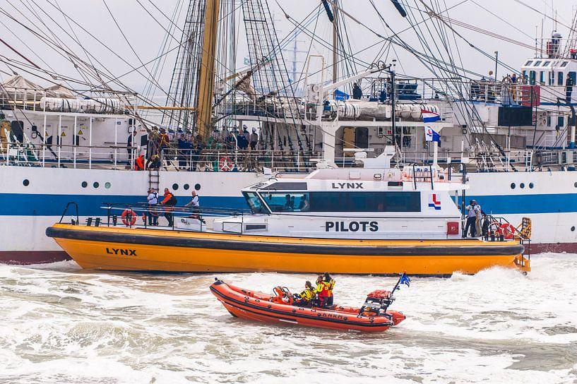 KNRM en Pilots in Den Helder de Koen Oberman van Brian Morgan