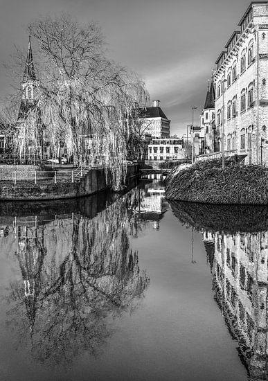 Leeuwarden stadsgracht van Harrie Muis