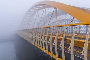 De gele brug in Utrecht van zeilstrafotografie.nl