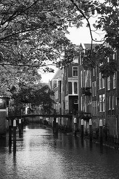 Gracht in Dordrecht von Marco van der Veldt