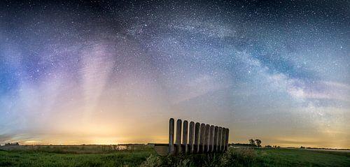 Het sterrenstelsel gezien van het Leekstermeer van Hessel de Jong