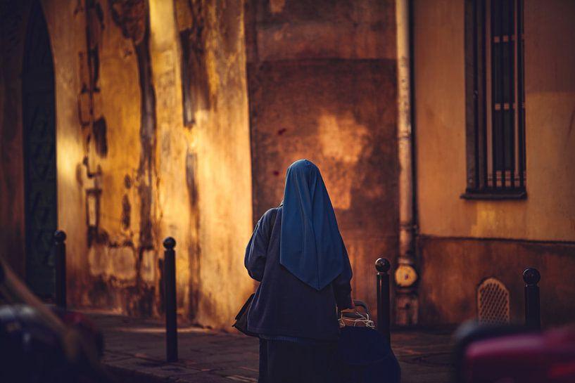 Zuster in Parijs Frankrijk van Rob van der Teen