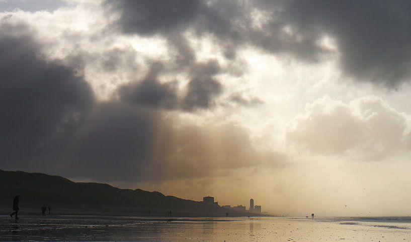 In de verte Zandvoort van Hans Heemsbergen