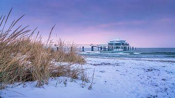 Winter op het strand van Timmendorf van Fine Art Fotografie