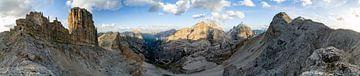 Panoramaausblick in den Dolomiten von Leo Schindzielorz