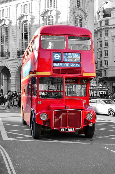 Oude dubbeldekker bus in Londen van Jaco Verheul