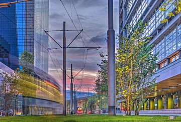 Sonnenuntergang in die Delftstrasse, Rotterdam von Frans Blok