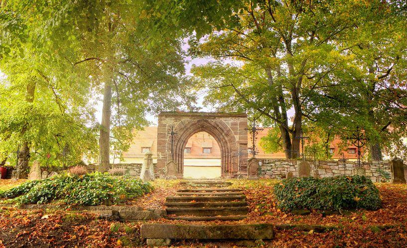 Lumière dans le cimetière, automne sur Tobias Majewski