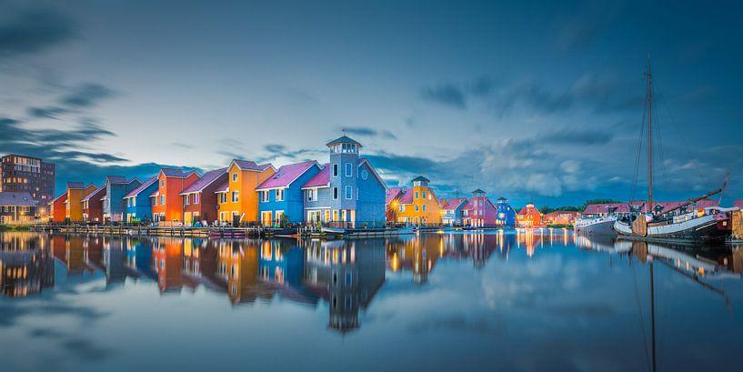 Reitdiephaven during the blue hour sur Iconisch Groningen