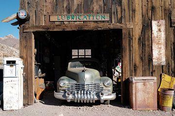 Gas Station in a ghost town / Tankstelle in einer Geisterstadt von Christian Konschewski