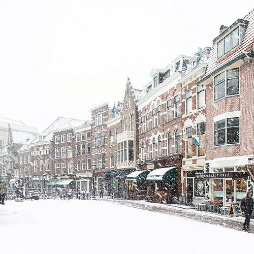 Winter in Utrecht. De Vismarkt onder een dik pak sneeuw. van
