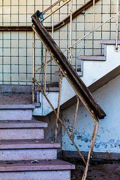 Pink stairs von