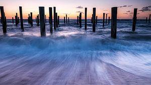 Palendorp op het strand in Petten van Eddy Westdijk