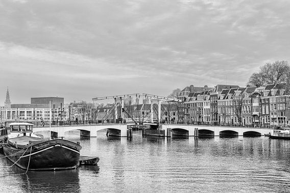 De Magere Brug in Amsterdam (2) van Don Fonzarelli