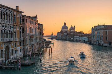 Kanaal Grande - Venetië van Robin Oelschlegel