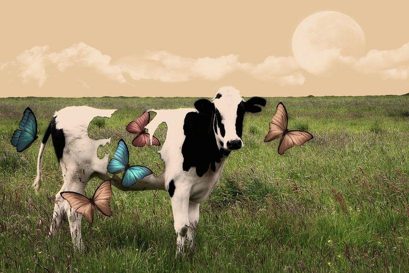 Hole in Cow van Yvonne Smits