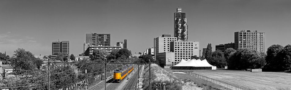 Panorama Tilburg met trein