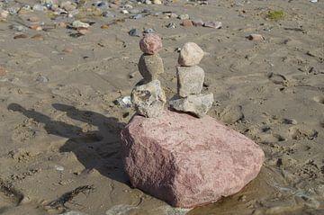 Romantiek in steen starend naar de duinen van Richard Pruim
