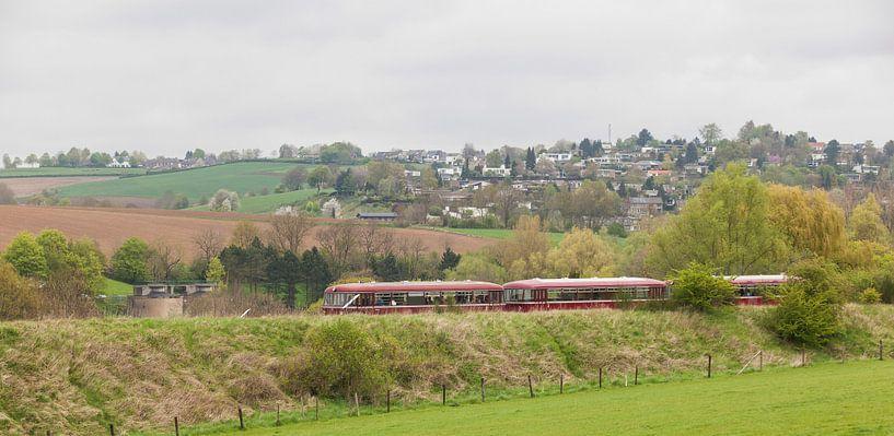 Railbus ZLSM bij vertrek uit Simpelveld van John Kreukniet