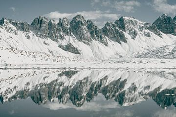 Spiegelsee Berge von Sophia Eerden