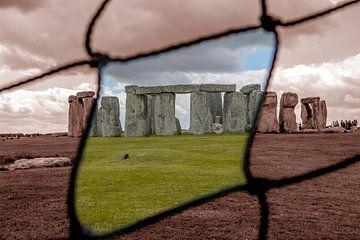 Peek through Stonehenge  van Henry van Schijndel