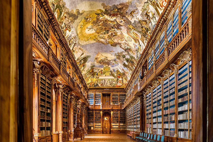 Prachtige bibliotheek in Praag van Roy Poots