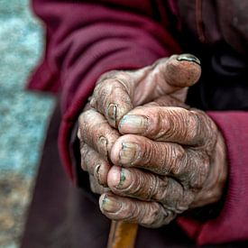 Arbeitende Hände in Dankbarkeit gefaltet von Affect Fotografie