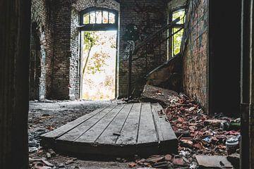 mit der Tür im Haus. von Roy Schmidt