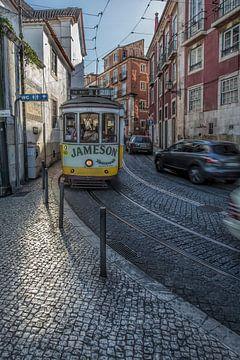Lissabon 16 - Largo Portas do Sol van Michael Schulz-Dostal