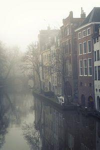 Mist boven de Oudegracht in Utrecht (1)