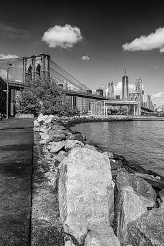 MANHATTAN SKYLINE & BROOKLYN BRIDGE Uferspaziergang  von Melanie Viola