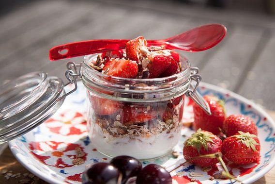 Ontbijtje met aardbeien