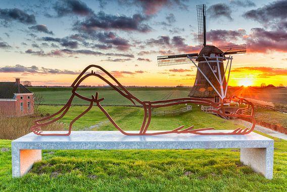 """Zonsondergang bij poldermolen de """"Goliath"""" in Groningen"""