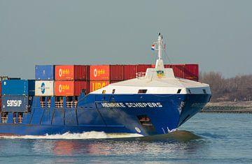 Containerschip onderweg naar de haven Rotterdam. van scheepskijkerhavenfotografie