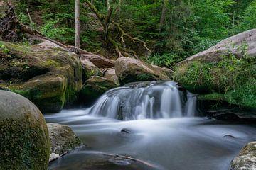 Wasserfall Sommermorgen von Ecarna