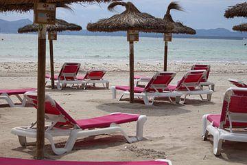 Strandkörbe am Strand von Audrey Nijhof