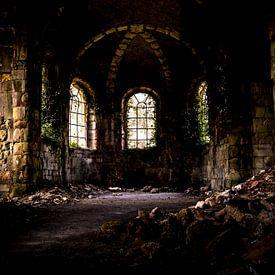 Verlaten kerk in Frankrijk, urbex van Atelier van Saskia
