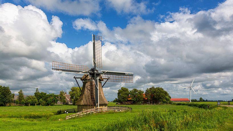 Poldermolen in een Hollands landschap van Bram van Broekhoven