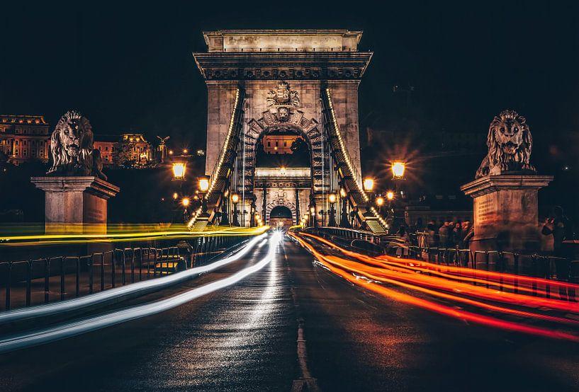 De verlichte Kettingbrug van Joris Pannemans - Loris Photography