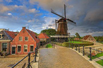 Stellingmolen 'De Kraai' in Sloten in Friesland. Eine der friesischen Elf-Städte. Eine malerische St von Bas Meelker